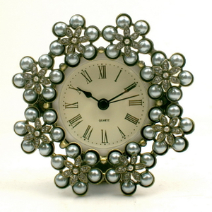 Metal Frame Clock