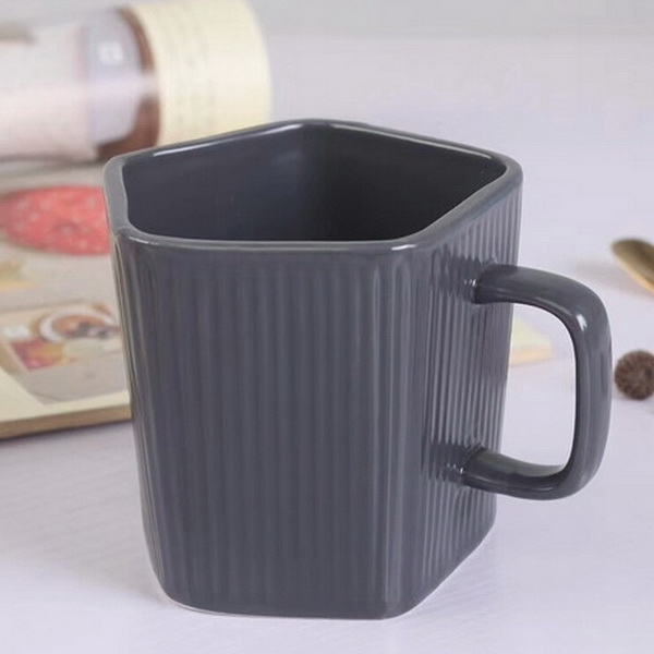 Food Grade Pentagon Design Black Ceramic Mug Glazed