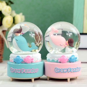 Factory Custom Made Best Home Decoration Snow Globe Gift Polyresin Rotating Snow Globes
