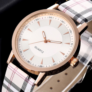 Luxury Fashion Quartz Ladies Watch Plaid Clock Rose Gold Dial Dress Casual Wristwatch