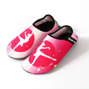 Factory Custom Made Yoga Walk on Water Shoes Yoga Swim Pool Beach Aqua Water Shoes Made in China
