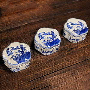 Ceramic Trinket Box Handpaint Porcelain Accessories Box